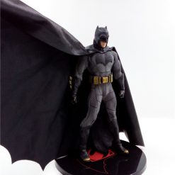 mô hình batman mezco batman vs superman bootleg 01